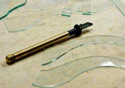 Фигурная резка масляным стеклорезом