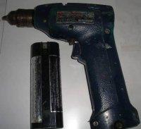 Один из первых аккумуляторных шуруповертов 80-х годов