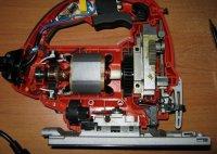 Электрический лобзик в разборе (хорошо виден маятниковый механизм)